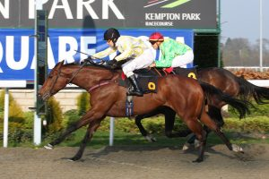 Yanza first past the post at Kempton Park